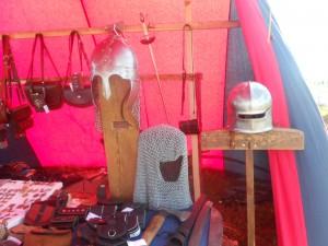 Шлем с кольчужной бармицей за 6,5 т. р., меч за 12 т. р.