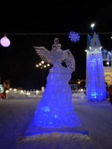 Фродо на орле - ледовый городок Новосибирска 2015