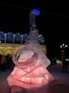 Горлум с кольцом - ледовый городок Новосибирска 2015