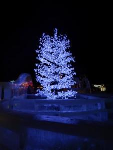 Ледяная елочка. Ледовый городок, Новосибирск 2015.