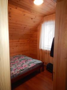 Усадьба Эдельвейс: коттедж, маленькая спальня на втором этаже